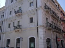Taranto - Palazzo d'epoca in Via Cavour