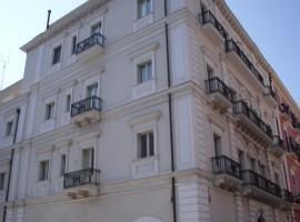 Taranto - Via Cavour nuovo locale commerciale