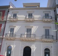 Taranto - Prestigiosissimi locali in Piazza Carbonelli