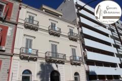 Taranto - Immobile di prestigio in Piazza Carbonelli (Lungomare)