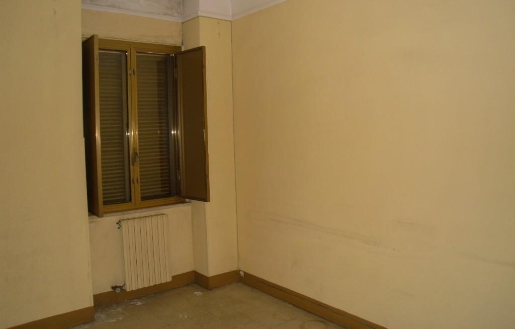 Taranto appartamento con giardino in via parini da for Piani di casa cottage quattro camere da letto