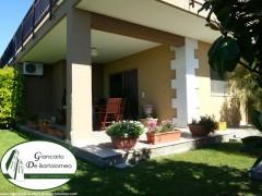 "Taranto - Rifinitissima villa nel residence ""I dioscuri"""