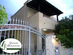 Leporano - Villa rifinita in Via Fedro (Baia d'Argento)