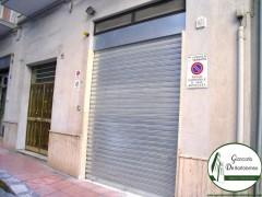 Taranto - Ampio box auto in Via dei Fabbri