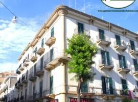 Taranto - Appartamento in Via Dante ang. Via Crispi