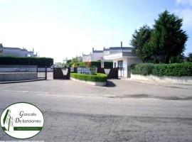 """Talsano - Villa in Via F. Como (Residence """"I Pini"""")"""