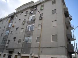Taranto - Appartamento in Via Lago di Lesina