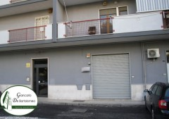 Taranto - Locale commerciale in Via Caduti di Nassiriya