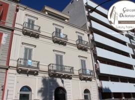 Taranto - Duplex di prestigio in Piazza Carbonelli