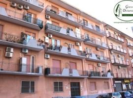 Taranto - Appartamento con box auto in Via Plateja