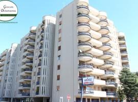 Taranto - Appartamento signorile in Via Solito ang. Via Alto Adige
