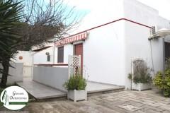 Leporano - Villa con ampio giardino in Via Arachidi