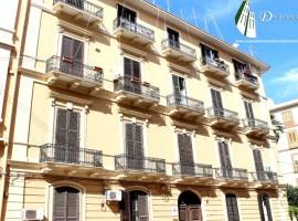 Taranto - Appartamento signorile in Via Regina Elena