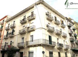 Taranto - Appartamento in Via Dante ang. Via Peluso