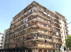 Taranto - Appartamento in Corso Italia ang. Viale Liguria