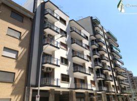 Taranto - Appartamento in Via Ugo De Carolis