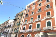 Taranto - Ampio appartamento in Via Acclavio
