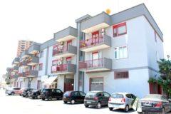 Taranto - Locale in Corso Annibale