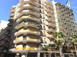 Taranto - Appartamento in Via Berardi ang. Via Mazzini