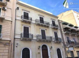 Taranto - Ufficio e/o studio prestigioso in Via Crispi (72 mq)