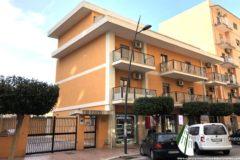 Taranto - Appartamento con posto auto in Viale Liguria (primo piano)