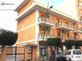 Taranto - Appartamento con posto auto in Viale Liguria (secondo piano)