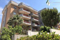 Taranto - Appartamento con posti auto in Via Lago di Cecita