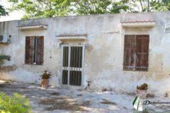 Taranto - Villino indipendente con giardino e terreno in Via Tre Fontane