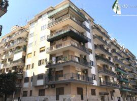 Taranto - Appartamento con posto auto in Viale Trentino