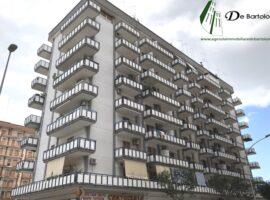 Taranto - Appartamento in Via Ettore d'Amore ang. Via Medaglie d'Oro