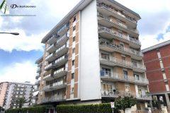 Taranto - Appartamento con posto auto in Corso Italia
