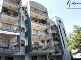 Taranto - Appartamento in Via Lago di Cecita ang. Viale Unità d'Italia