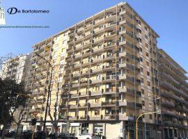 Taranto - Appartamento in Viale Magna Grecia ang. Via Dante