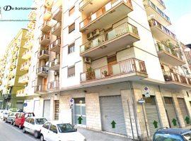 Taranto - Deposito/Magazzino in Via Oberdan ang. Via Giovan Giovine